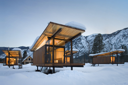 Rolling-Hut-Mazama-Winter